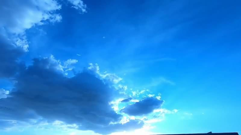蓝天白云片头背景视频素材